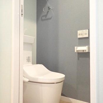 トイレだって温水洗浄便座がついています。