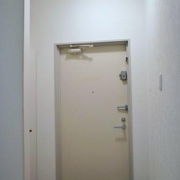 玄関はこんなかんじ。