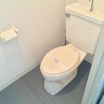 トイレもキチンと個室です!※写真は11階の同間取り別部屋のものです