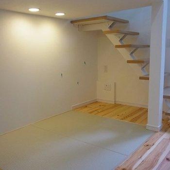 ロフト下には畳も。※写真は1階の同間取り別部屋のものです