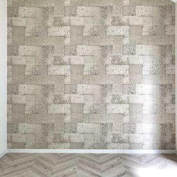 ヘリンボーン風の床とテ◯リスみたいな壁…