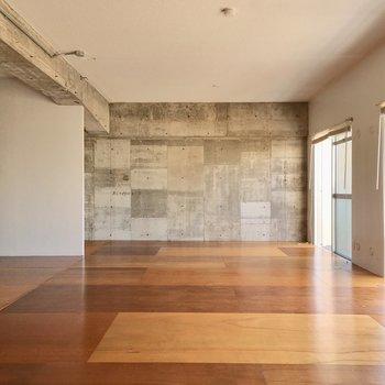 ひろーいリビング。家具は全部大きめをチョイスだ!