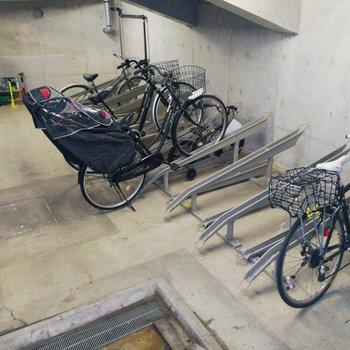 駐輪場は地下にあります!