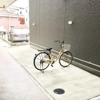 共用部】駐輪場は建物内にあるから盗難の心配もなし!
