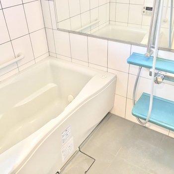 浴槽も広くてゆったり浸かれそうです♪