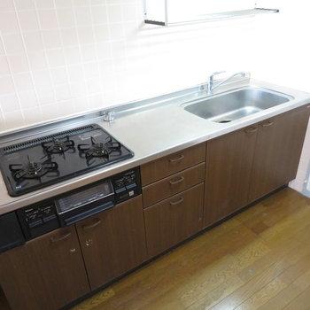 キッチンは本当に広々