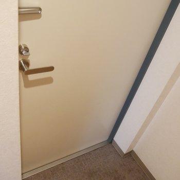 玄関スペース◎靴を出したらしまう習慣がうまれそう♪