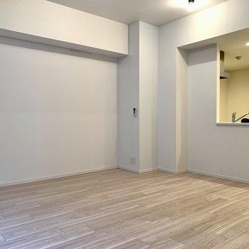 憧れのカウンターキッチン。※写真は似た間取りの5階の別部屋の写真です