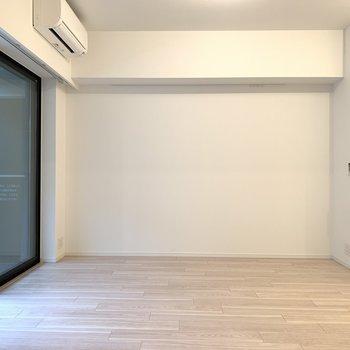 ソファダイニング置きたいですね。※写真は似た間取りの5階の別部屋の写真です