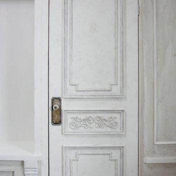 隠し扉かな?