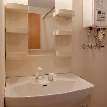 独立洗面台はシンプル!