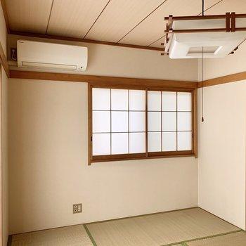 和室にはエアコンと照明がついていましたよ。