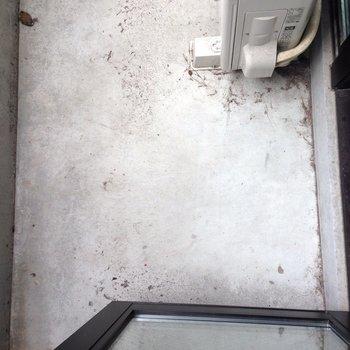 バルコニーの広さの参考に。※写真は1階の同間取り別部屋のものです