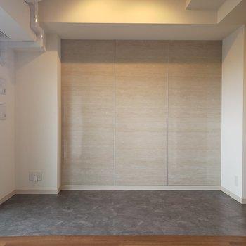 ダウンライトがあたたかい。※写真は5階の同間取り別部屋のものです