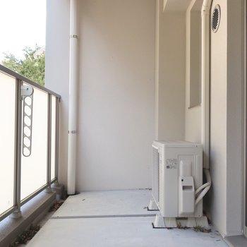 ワイドなバルコニーはとっておきの特等席に♥※写真は3階の同間取り別部屋のものです