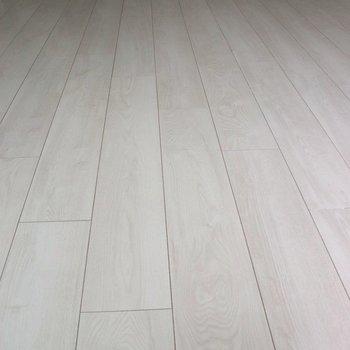 【LDK】綺麗な白い木目のフローリング※ 写真は前回募集時のものです