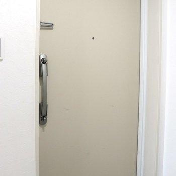 どっしりした玄関※ 写真は前回募集時のものです