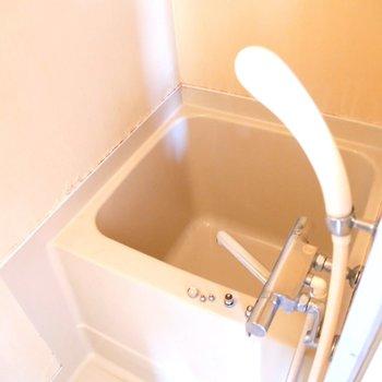 お手軽にシャワーだけでもいいし、たまにはお湯につかってもいいね◎
