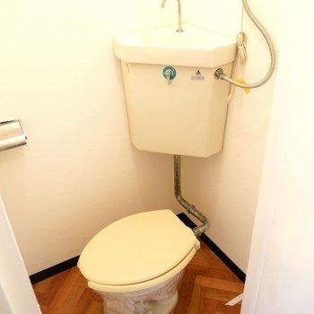 トイレとお風呂は別々なんですよ〜♪