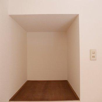 寝室用に使うとしたら、こちらはお布団の収納スペースにぴったり!