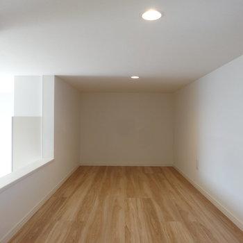 6帖の広々ロフト付き!※写真は2階の同間取り別部屋のものです
