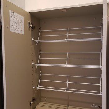 コンパクトなシューズBOX※写真は5階の同間取り別部屋のものです