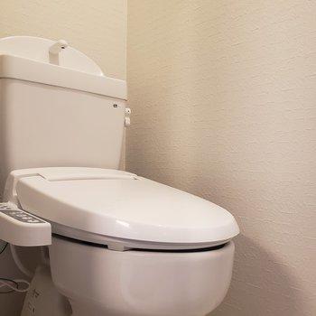 トイレは個室です※写真は5階の同間取り別部屋のものです