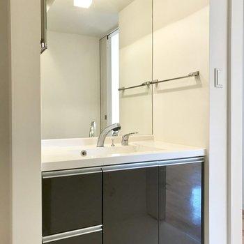 大きめの洗面台、鏡大きいといいな〜※写真は前回募集時のものです