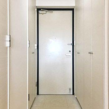 玄関シンプルね※写真は前回募集時のものです