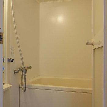 浴室。乾燥機能も追焚機能も。