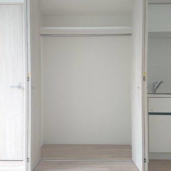 できるだけこの中に収めてお部屋スッキリ使いましょう※写真は4階の同間取り別部屋のものです