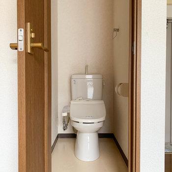 トイレは独立しております。