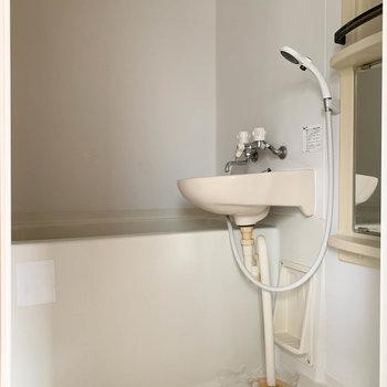 2点ユニットのシンプルなお風呂です。