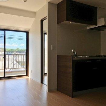 お部屋から見えづらくなっているキッチン。