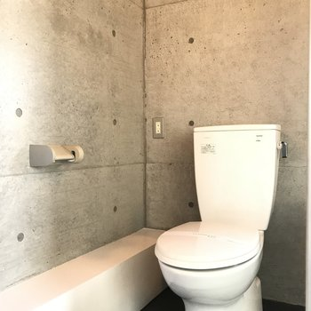 シンプルトイレ