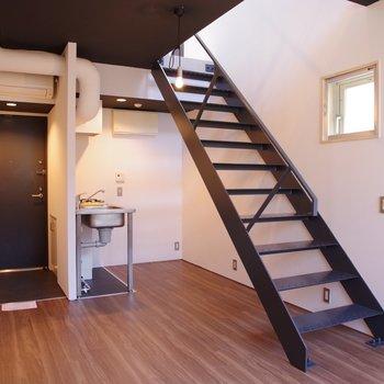 デッドスペースにはキッチン家具を置きたいな