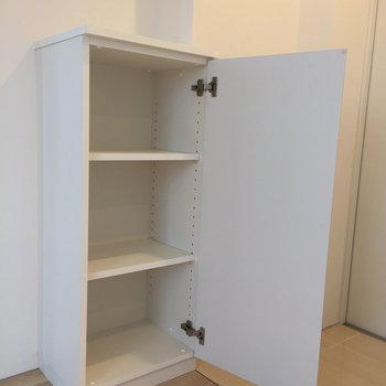 可動式の靴箱※写真は3階同間取り別部屋のものです