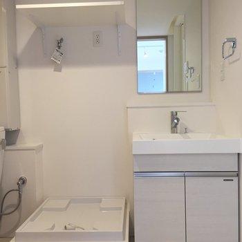 統一感のある白。自分で色を加えたい※写真は3階同間取り別部屋のものです