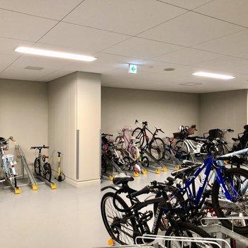 自転車も完全室内に置けるので安心です。