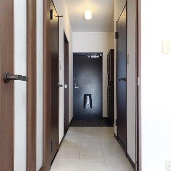 廊下にも、もう1つの洋室。