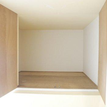 お布団も3セットは入っちゃうくらいの大きな収納スペース♪※写真は清掃前のものです。