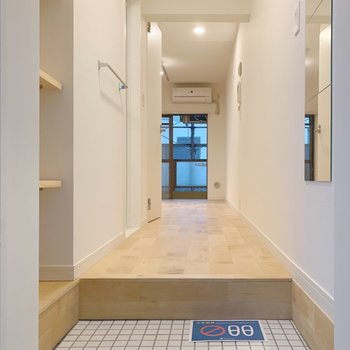廊下部分が結構ゆとりあります。ワゴンとか置けそうですね◎