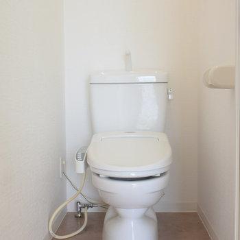 ウオッシュレット付きのトイレ