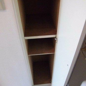 シューズボックスもあります!※写真は4階の反転間取り別部屋のものです