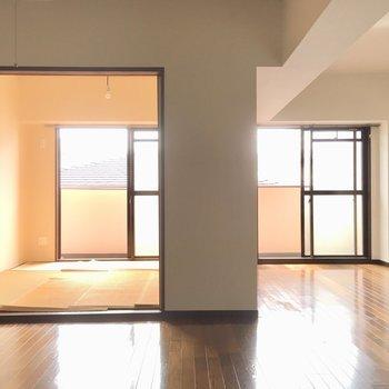 窓からはたっぷりとおひさまの光が入ります。