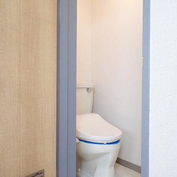 トイレは別部屋で清潔感◎。