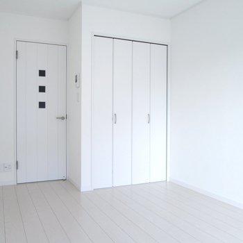 可愛い感じの扉♪※写真は通電前のものです※写真は1階の同間取り別部屋のものです