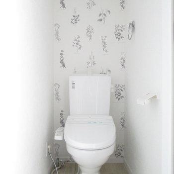 トイレになります。※写真は通電前のものです※写真は1階の同間取り別部屋のものです