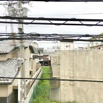 電線が残念な眺望です、、
