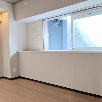 【洋室7帖】窓際が気になる〜(※写真は2階同間取り別部屋のものです)